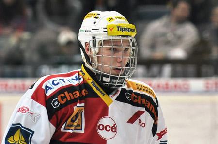 29- Dmitri Jaskin (RW) -- Slavia(CzeJr) Jaskin_souboj_CLANEK